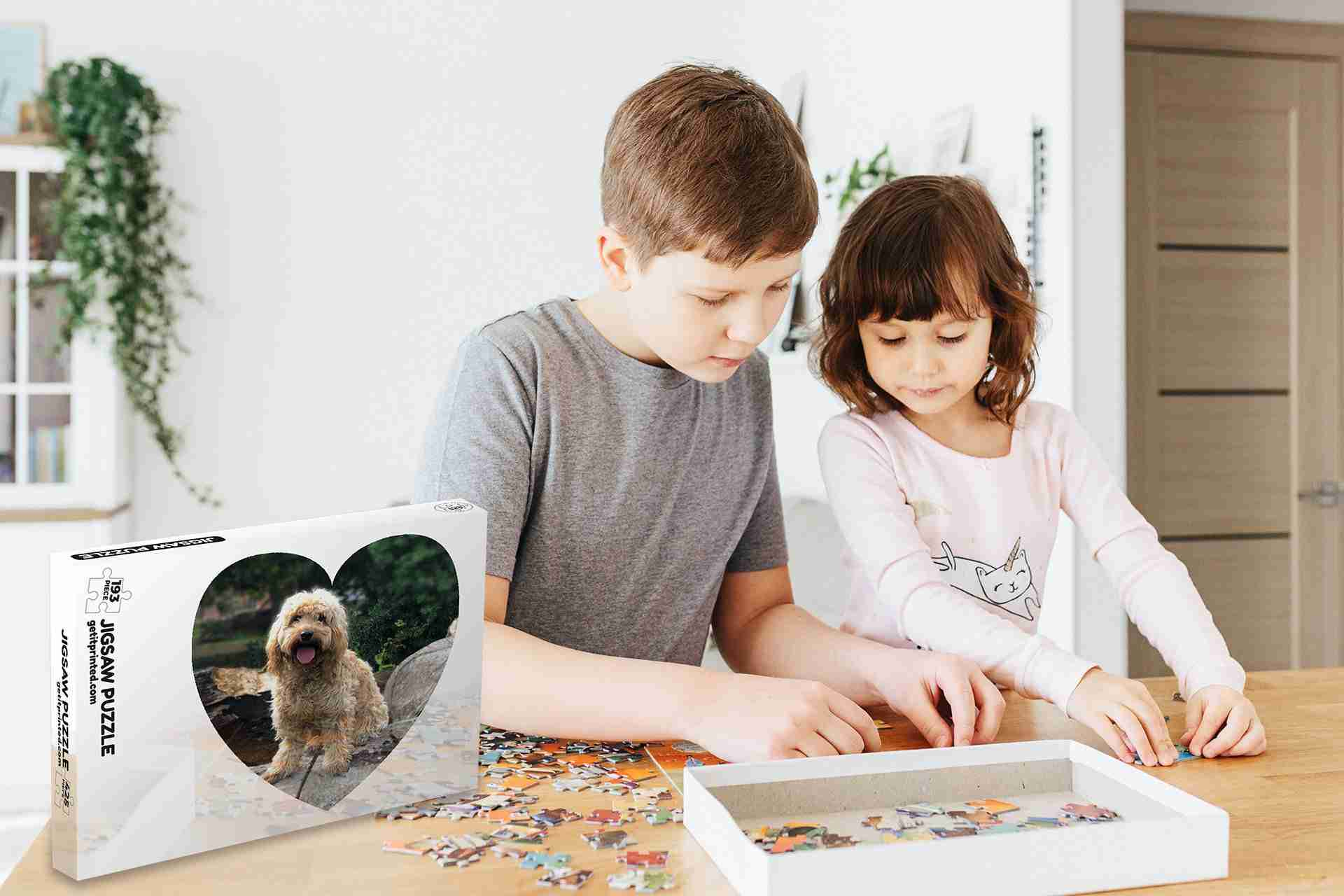 kids-putting-together-a-photo-jigsaw-from-getitprinted.com