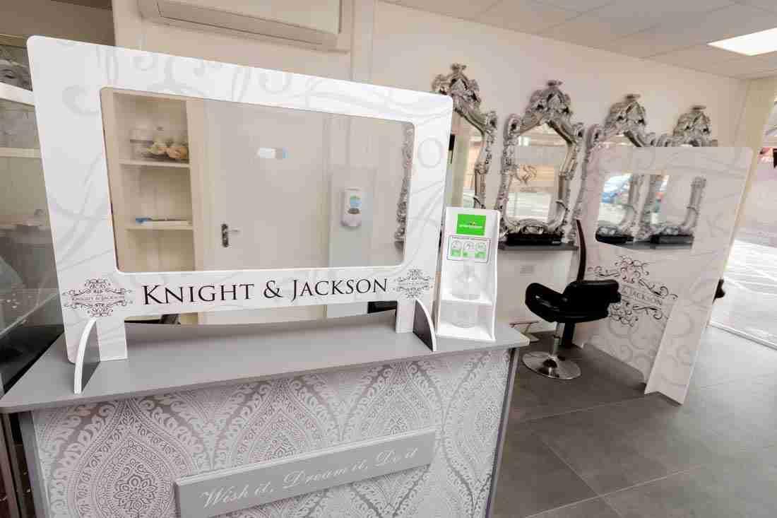 K&J-Salon-Screens-9740