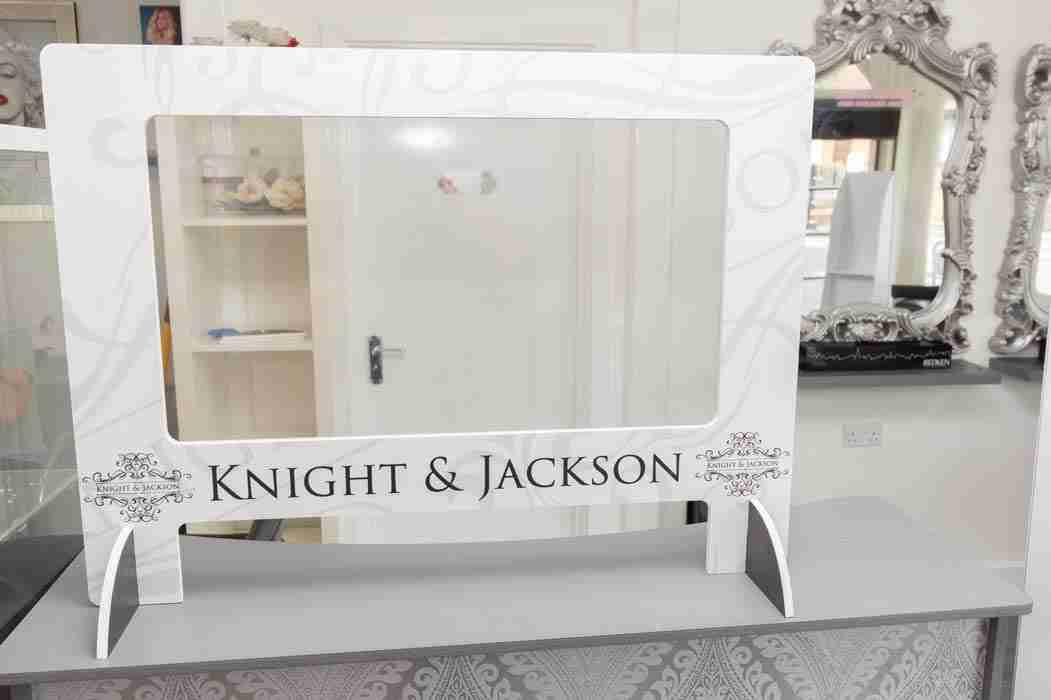 K&J-Salon-Screens-9748