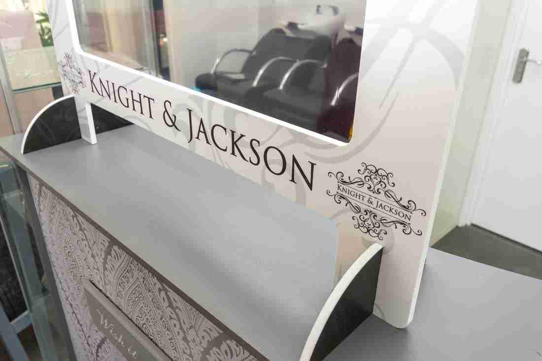 K&J-Salon-Screens-9775